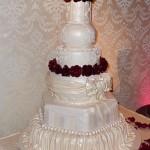 Tort weselny Vinnie'ego i Danieli - Słodki biznes (źródło: tlc.howstuffworks.com)
