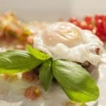Jajko z salsą meksykańską na pieczarce (źródło:masterchef.tvn.pl)