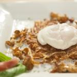 Jajko w koszulce na wycieraczce z ziemniakami i kurkami (źródło: masterchef.tvn.pl)