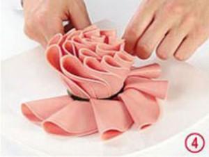 Kwiaty z szynki - krok 4