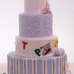 Różowy tort dla mamy (źródło: tlc.howstuffworks.com)
