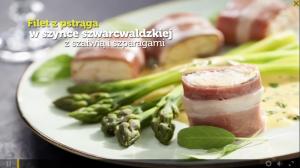 Filet z pstrąga w szynce szwarcwaldzkiej z szałwią i szparagami (źródło: kuchnialidla.pl)