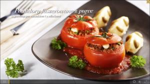 Pomidory faszerowane z puree pachnącym czosnkiem i z oliwkami (źródło: kuchnialidla.pl)