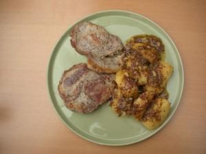 Kotlety wieprzowe z jabłkami w sosie z cydru i musztardy gruboziarnistej (źródło: tvp.pl)