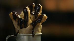 Lepkie paluchy z czekoladą (źródło: hobbshousebakery.co.uk)