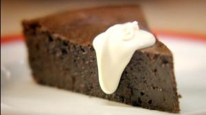 Walentynkowe ciasto czekoladowe (źródło: hobbshousebakery.co.uk)