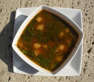Bozbasz – zupa z jagnięciną i owocami (źródło: tvp.pl)