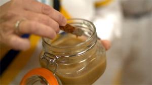 Dżem mleczno-ziemniaczany (źródło: channel4.com)