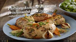 Pieczony kurczak z ziołami prowansalskimi i cytryną (źródło: kuchnialidla.pl)