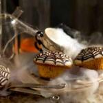 Babeczki w polewie z pajęczynką (źródło: lidl-specials.com)