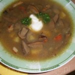Zalewajka z grzybami (źródło: mojegotowanie.pl)
