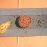 Steak Americaine czyli tatar z polędwicy wołowej (źródło: tvp.pl)